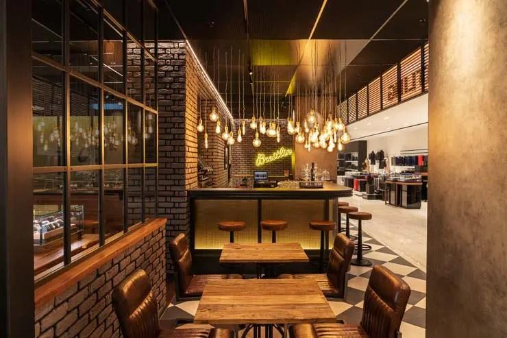 Jetzt bei Jelmoli in Zürich: das Breitling Bistro-Bar-Concept