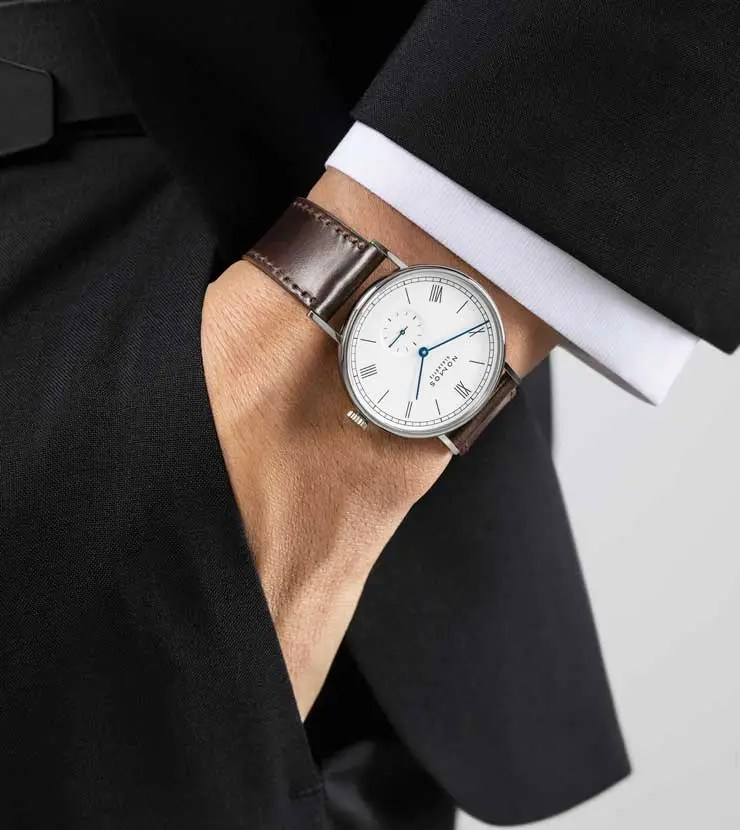 Nomos Ludwig Emailleweiss