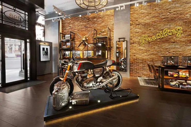 740.2 01 breitling x triumph motorcycles