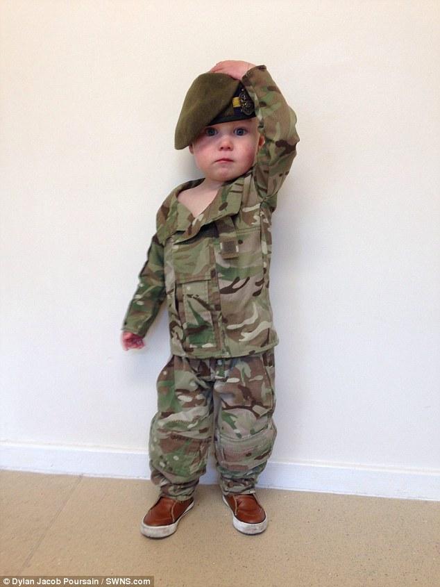 Calendrier-bebes-soldats-7