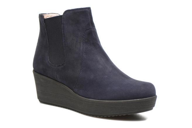 Presque dans le même concept que la paire de boots précédente, la Unisa Fucus de chez Sarenza de couleur bleues possèdent également une doublure et une semelle intérieure en cuir, mais dans un style plus épuré que sa consœur.  109.90 euros, existe aussi en noir.