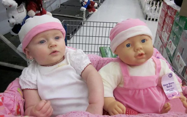 bebe qui ressemblent a leur poupee 13