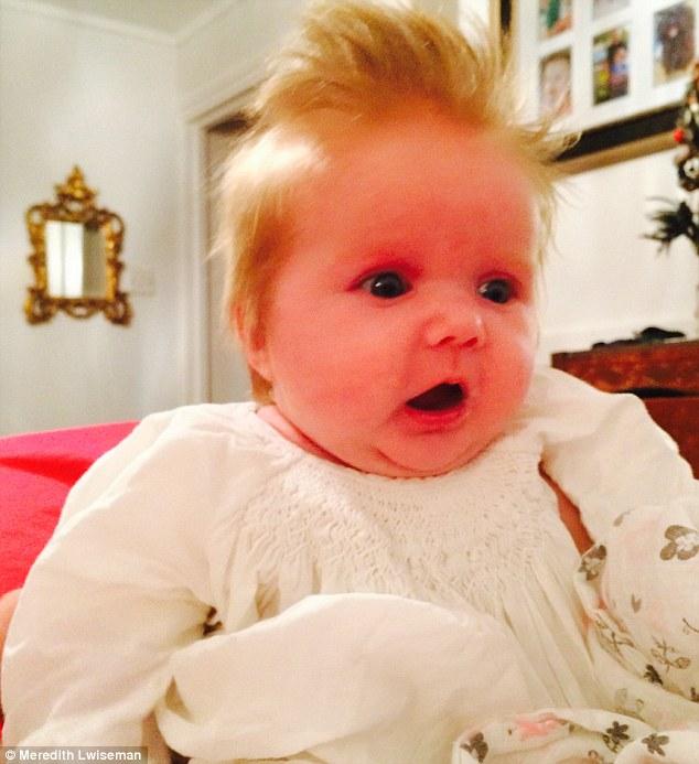 penelope bebe cheveux fous