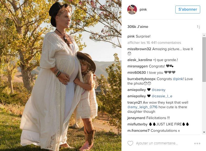 pink photo de grossesse instagram
