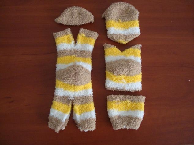 DIY chaussettes doudou decoupe 3