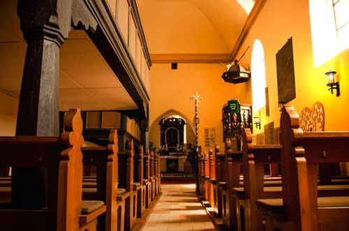 Kirche-St.Matthaeus-Gemeinde-Adelsdorf-Neuhaus-optimiert
