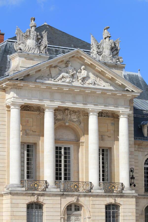 Read more about the article Semaine Bleue – Visites guidées gratuites du Musée des Beaux-Arts et du Musée de la Vie Bourguignonne