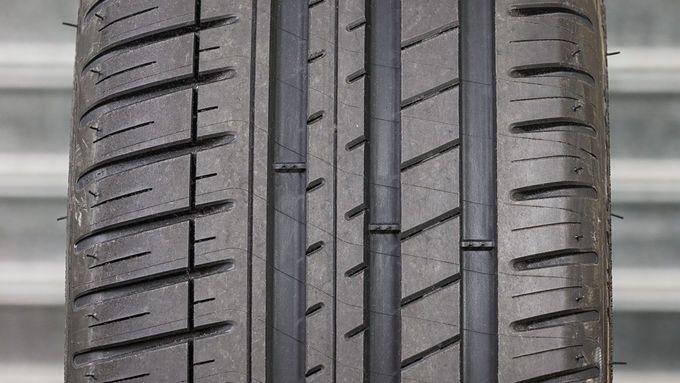 Neumáticos Asimétricos