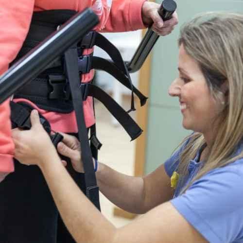 Lokomat. Rehabilitación de Daño Cerebral en Hospitales Nisa