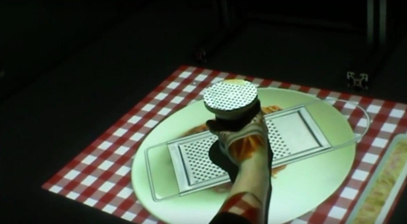 Eficacia de un sistema de realidad virtual que permite emplear objetos tangibles para la rehabilitación del miembro superior tras el ictus
