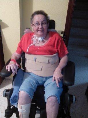 Al comienzo de mi rehabilitación tenía una traqueotomía, llevaba un corsé, para sujetar la columna