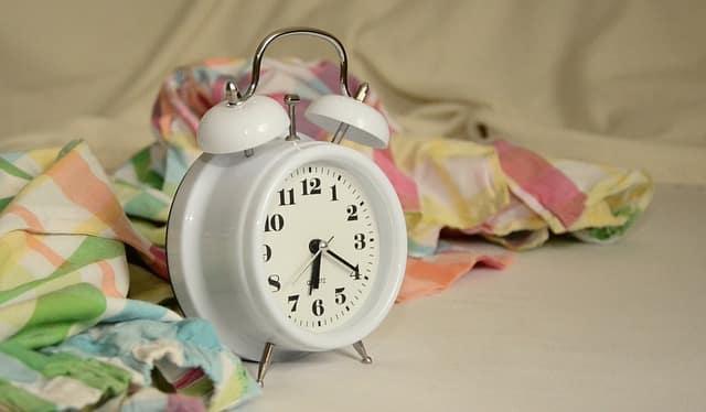 Las alteraciones del sueño son frecuentes en personas con daño cerebral adquirido. El sueño es un signo de buen pronóstico neurológico