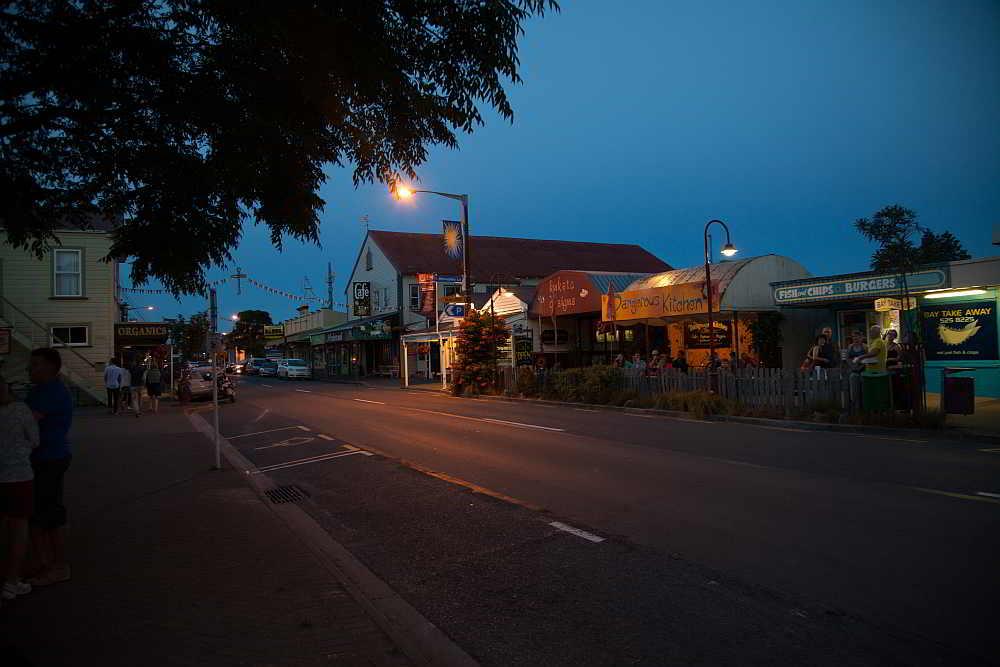 Takaka bei Nacht