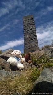 Arthur's Pass Monument - mit Kiwi und Schaf