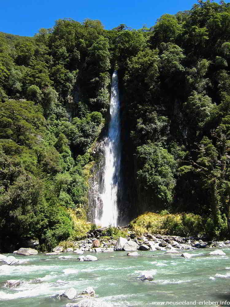 96 Meter hoch - Thunder Creek Falls