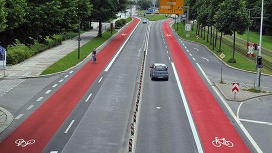 So wünschte sich der ADFC die Albertstraße ... Montage: ADFC