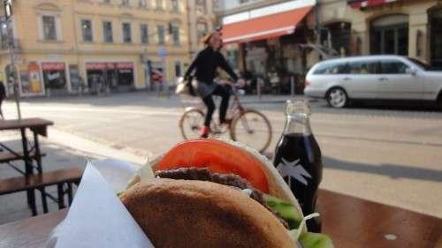 Schneller Burger von der Kantine Nr. 2
