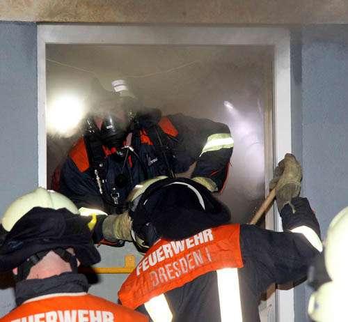 Feuerwehr bei der Arbeit.