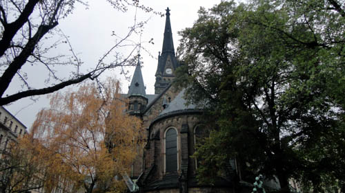 Martin-Luther-Kirche von hinten.