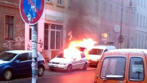 Autobrand auf der Rudolf-Leonhard-Straße