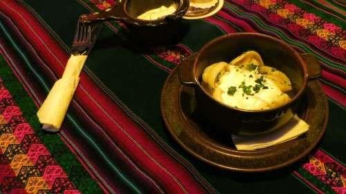 Der Hauptgang: Pelmeni. Köstlich.