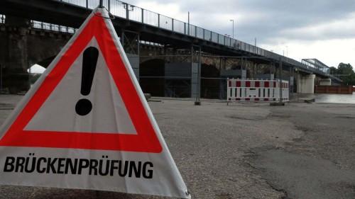 Albertbrücke - Sanierung scheint in weite Ferne gerückt