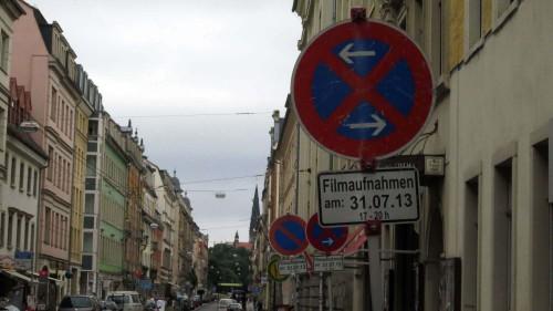 Was denn nun? Parken oder Halten verboten.