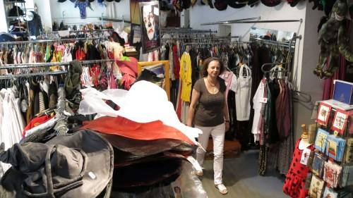 Andrea Wiener in ihrem Kostümverleih - Der Ausverkauf hat begonnen