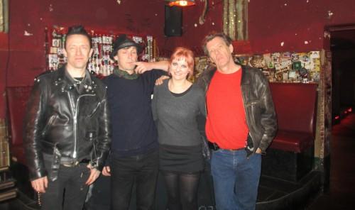 Pete (Bass), Darrell (Guitar), Ich & Eddie (Drums) nach dem Interview in der Chemiefabrik