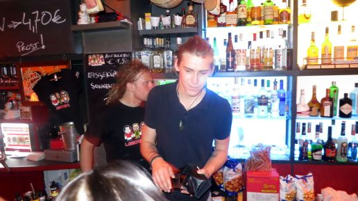 Der singende Barkeeper: Ansa