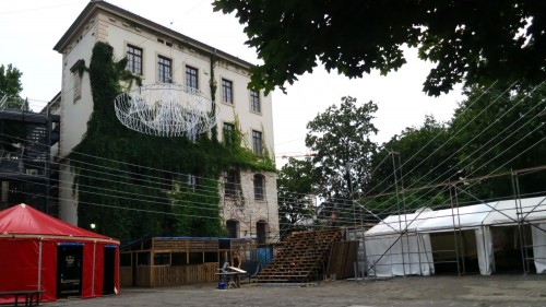 Der Schulhof wird zum zweiten Festplatz.