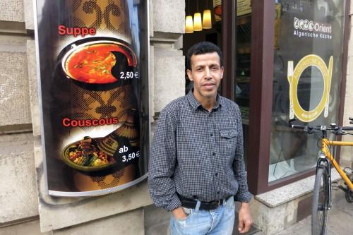 Mohamed Megueni vor seinem Imbiss.