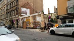 Heute wurden die Fassadenreste abgebrochen.