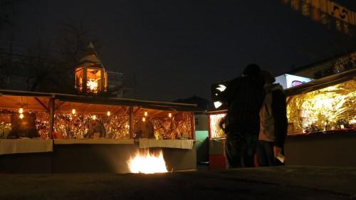 Das Lagerfeuer verheimeligt die Stimmung