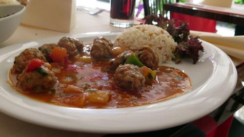 Die Köfte mit Reis waren sehr schmackhaft.