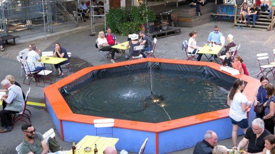 Interaktiver Brunnen statt Karussell
