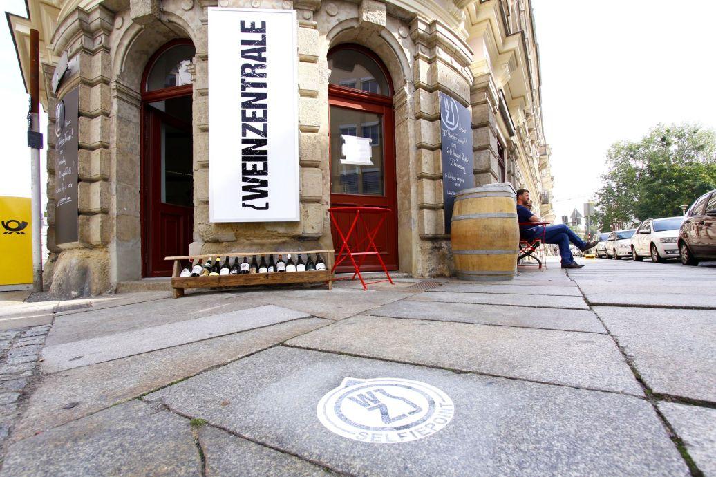 Vor der Weinzentrale - Foto: Youssef Safwan