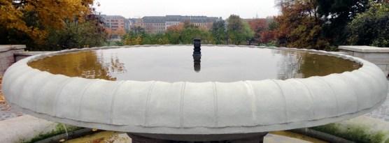 Neuer Brunnen im Oktober 2012