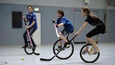 Einradhockey - Turnier in der Motor-Mickten-Halle am Sonntag - Foto: Matěj Koudelka