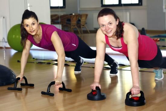 personal-fitness-dresden: Bei den Übungen zeigt Nicole volles Engagement