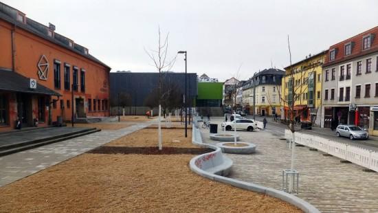 Scheunevorplatz fertig: Scheunevorplatz am Tage