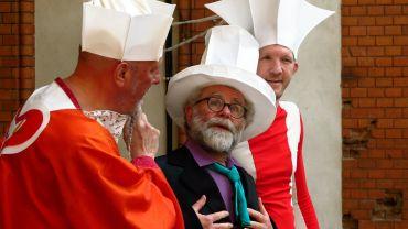 Volpone oder Der Fuchs: Mit Kostümprobe in der Theaterruine: Olaf Nilsson, Karl-Michael Weber, Jens Döhring (v.l.)