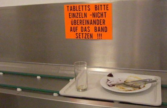 Orange Warnschilder, toll!
