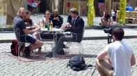 Straßen Talkshow zum Thema Geriatrifizierung der Neustadt
