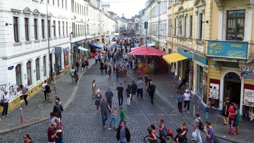 Die Rothenburger Straße am Sonntag Nachmittag.