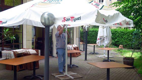 Hans-Joachim Wieczorek im Biergarten