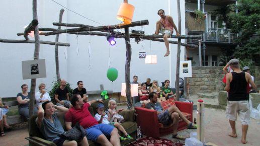 Wohnzimmer-Stimmung im Innenhof auf der Hechtstraße