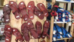 Sandalen aus Kamelleder, gefertigt in Hebron
