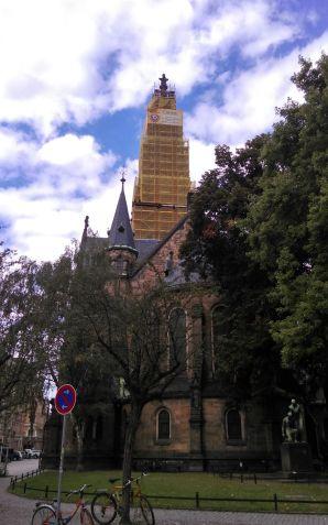 Bald ohne gelbes Gerüst: Martin-Luther-Kirche