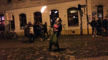 Feuershow an der Ecke